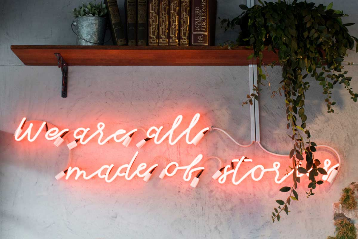 B2B copywriting - Shows a neon quote on a wall