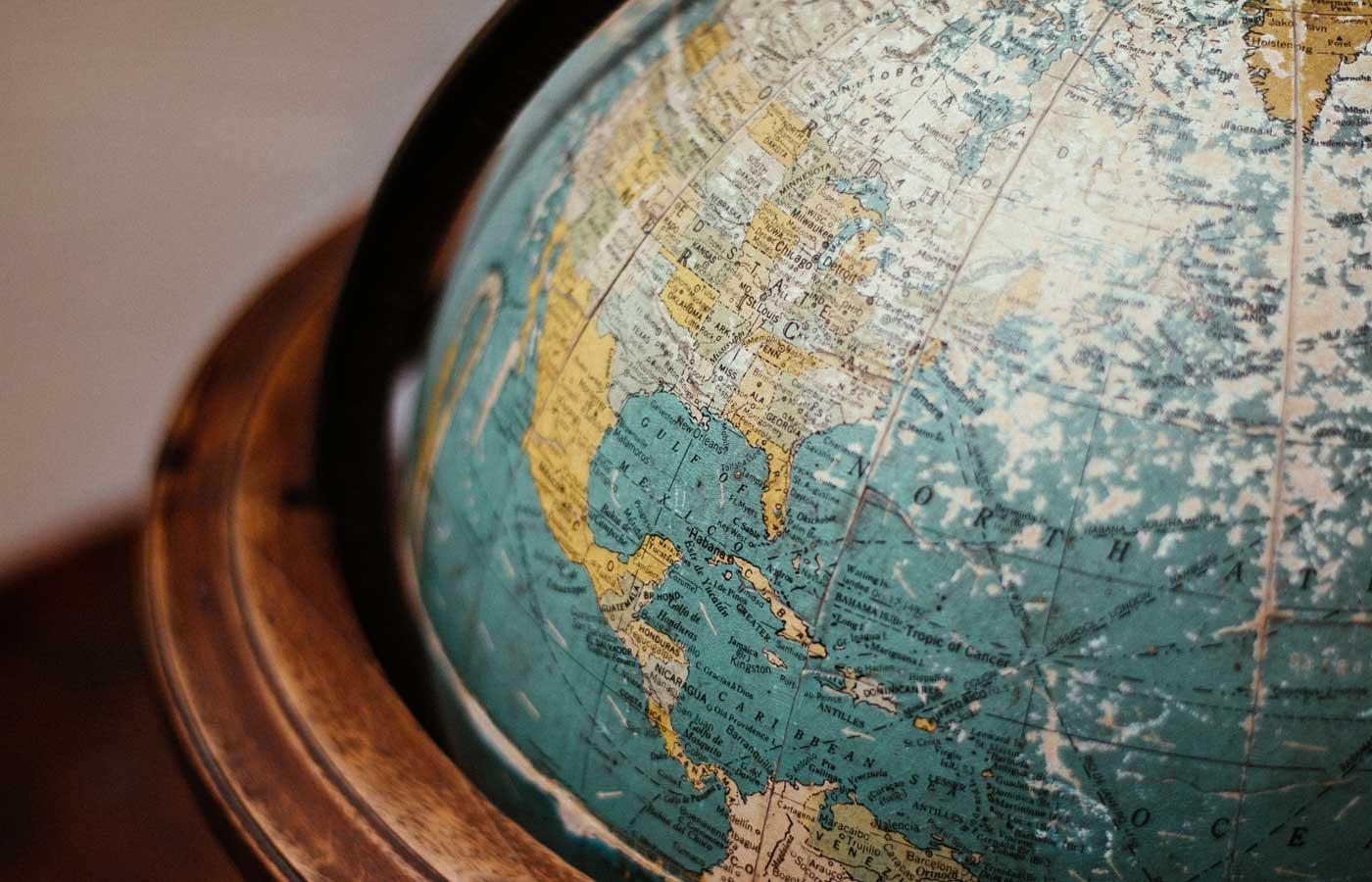 English copywriter - Globe image