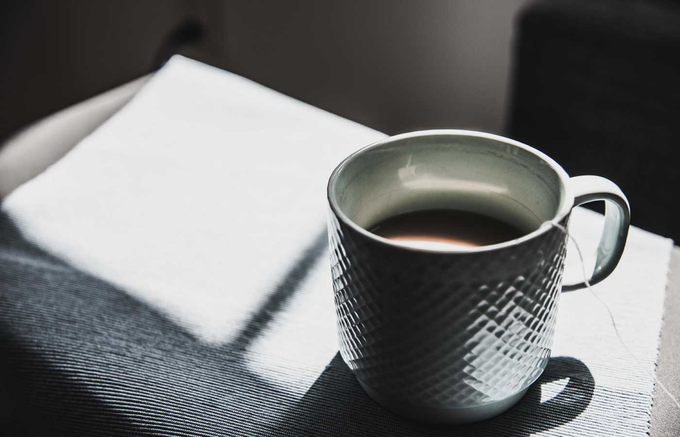 Native English copywriter - Shows a cup of English tea